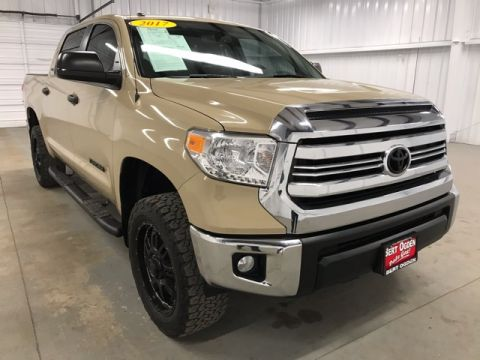 Pre-Owned 2017 Toyota Tundra SR5 RWD 4D CrewMax